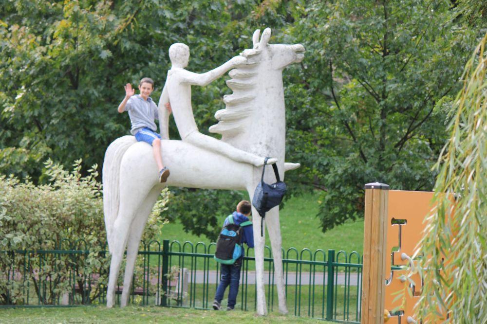 """A to jest jak widać """"Chłopiec na koniu"""", chyba moja ulubiona rzeźba z tego zestawu."""