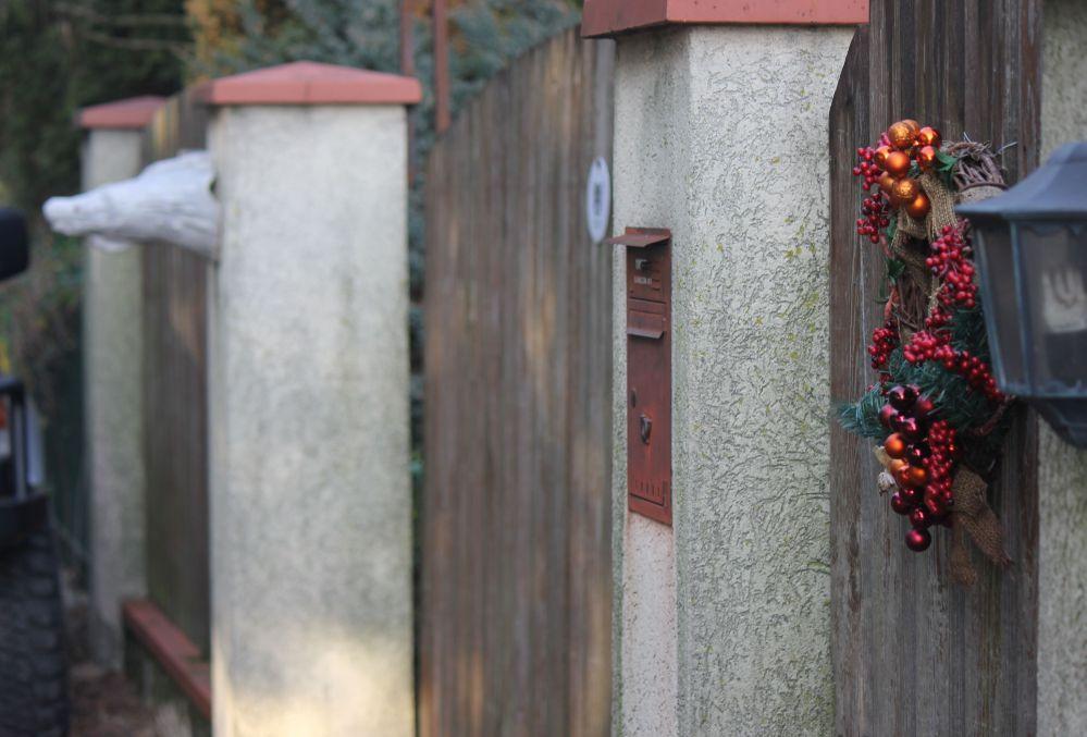 wieniec_brama_ozdoby_bożonarodzeniowe_smok_rzeźba