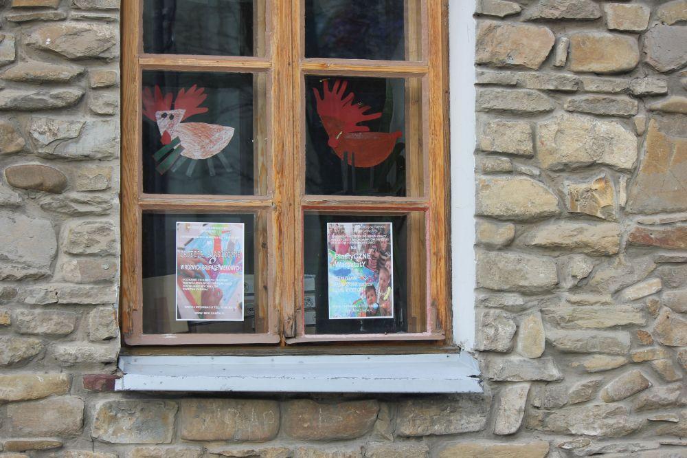 sanok_okno_dekoracja_bieszczady_Dzieci_handmade_łoś_rysunek