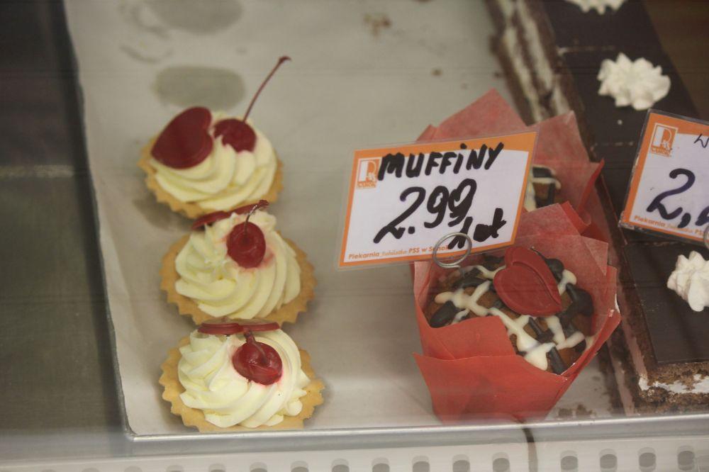ciastka_walentynki_muffin_cukiernia_sanik_bieszczady_serce_dekoracja_wisienka
