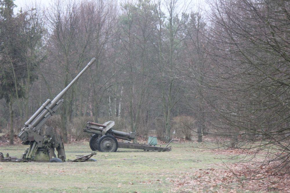armaty_broń_działa_pole_wilga_pomnik