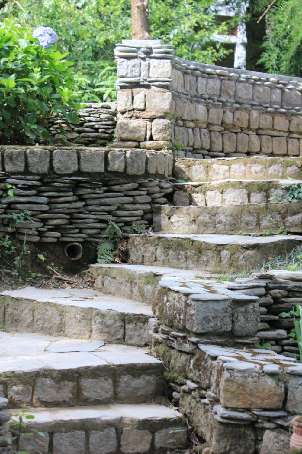 schody_norbulinka_architektura_tybetańska