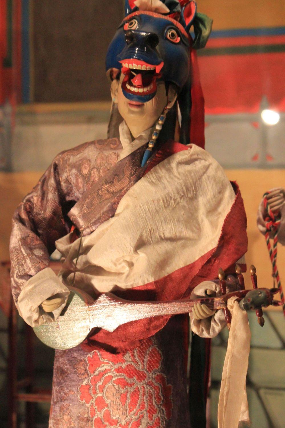 czam_hajagriwa_hayagriva_koń_maska_taniec_tybet_tradycje_lalka_instrument