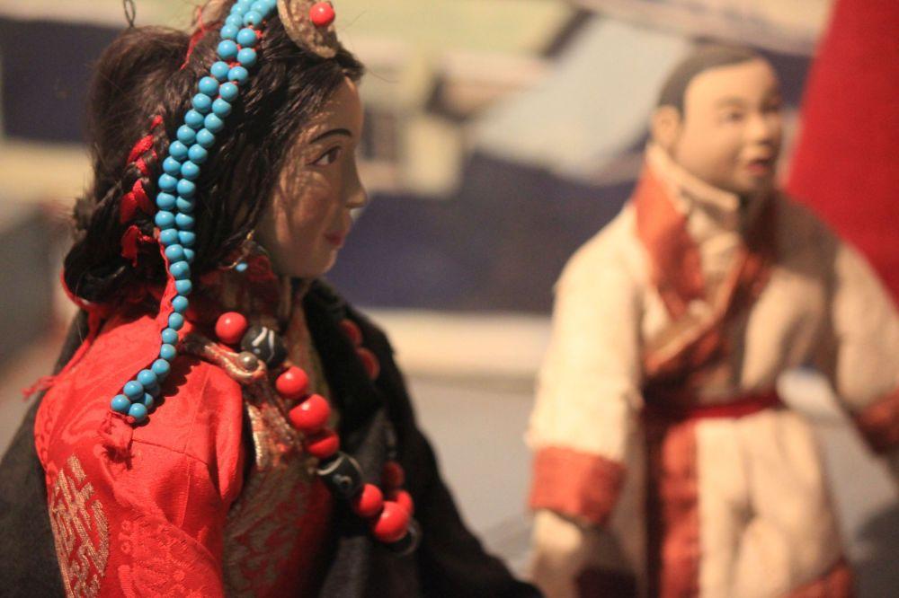 turkus_głowa_tybetanka_włosy_biżuteria_lalka_koral