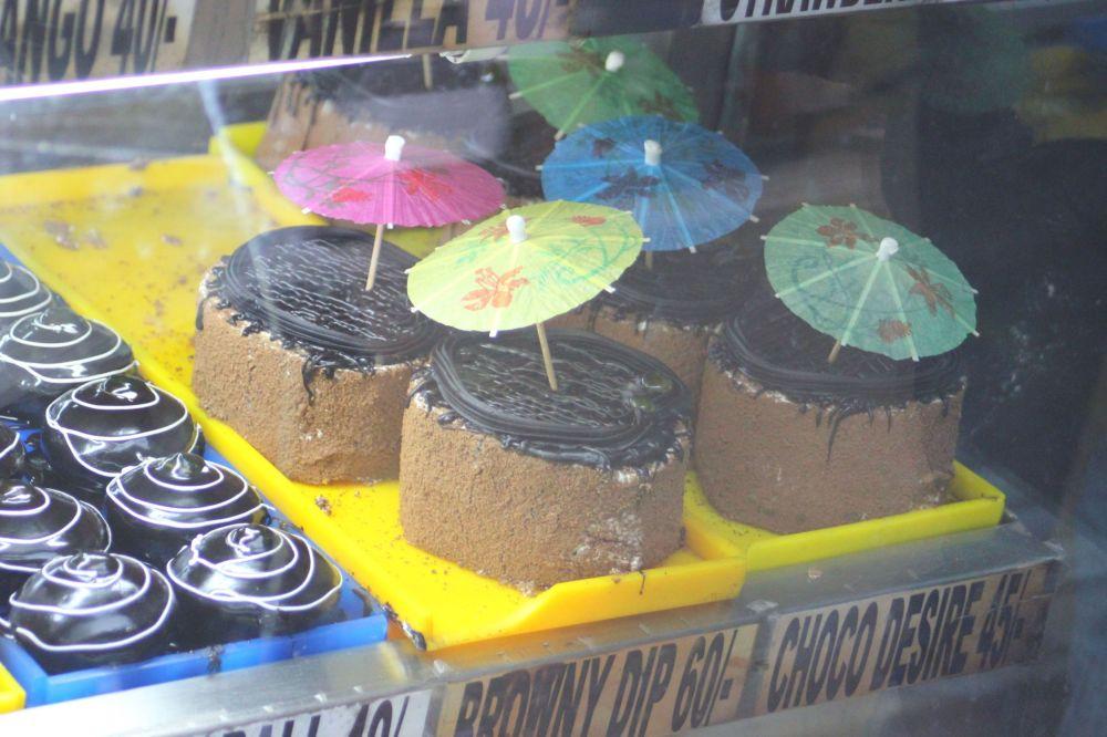 Tort_ciastko_z_parasolką_czekoladowe