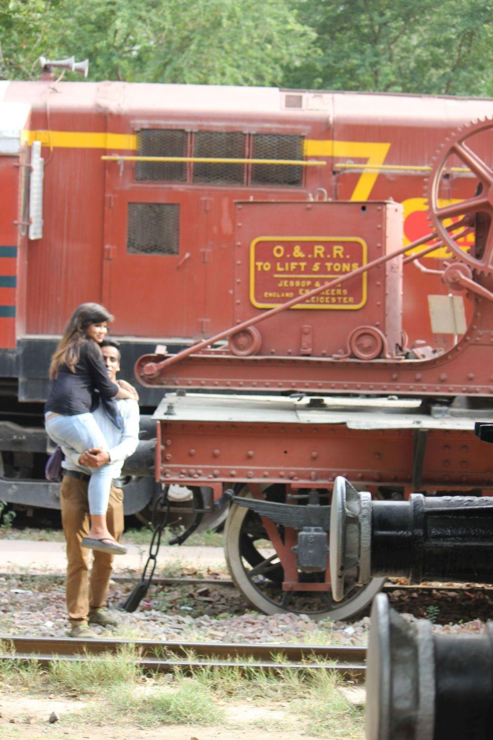 hindusi_zdjęcie_selfie_muzeum_kolei_pociągi