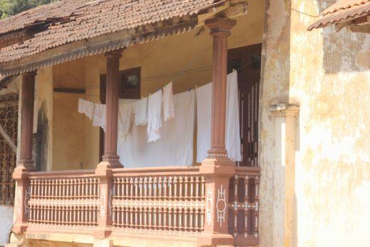 goa_pranie-portugalska_hacjenda_willa_posiadłość_dom_balkon