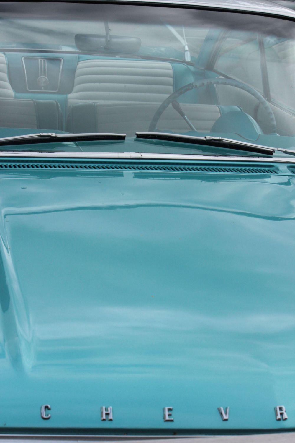 chevrolet_sea_morski_kolor_lata'50_tapicerka_retro_samochody_turkus_torquoise
