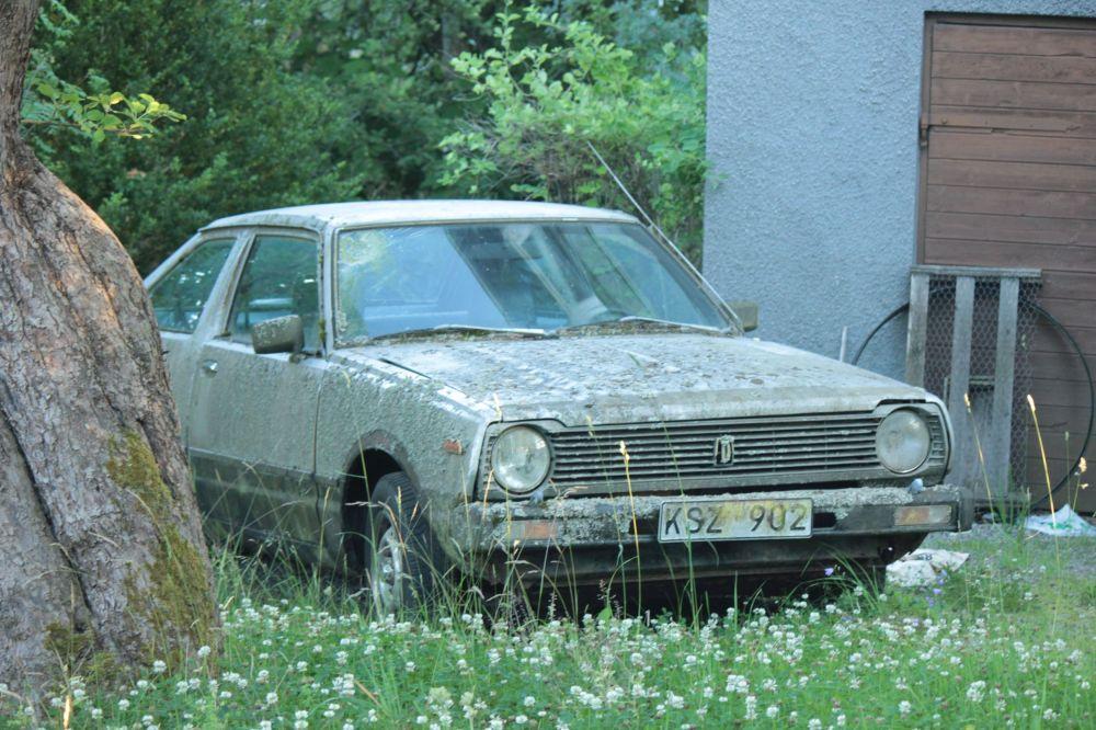 stare_auto_wrak_samochodu_old_car_szwecja_stare_samochody