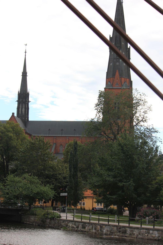 katedra_w_uppsali_wieża_średniowieczna_architektura_kościół
