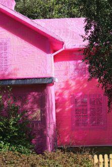 rózowy_Dom_z_koronki_zasłony_firanki_ubrany_Dom_avesta_olek_pink_house