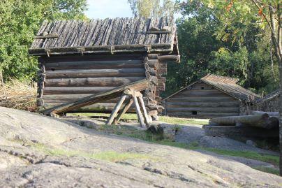 osada_domki_fińskie_domy_z_bali_tradycyjne
