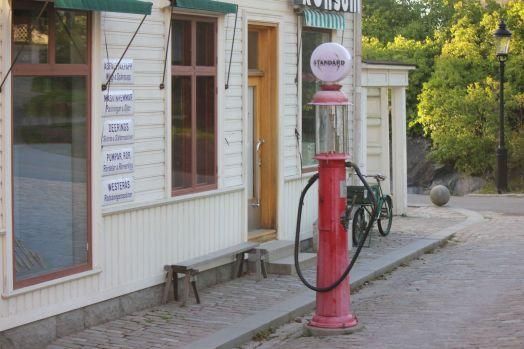 stara_zabytkowa_stacja_benzynowa_szwecja