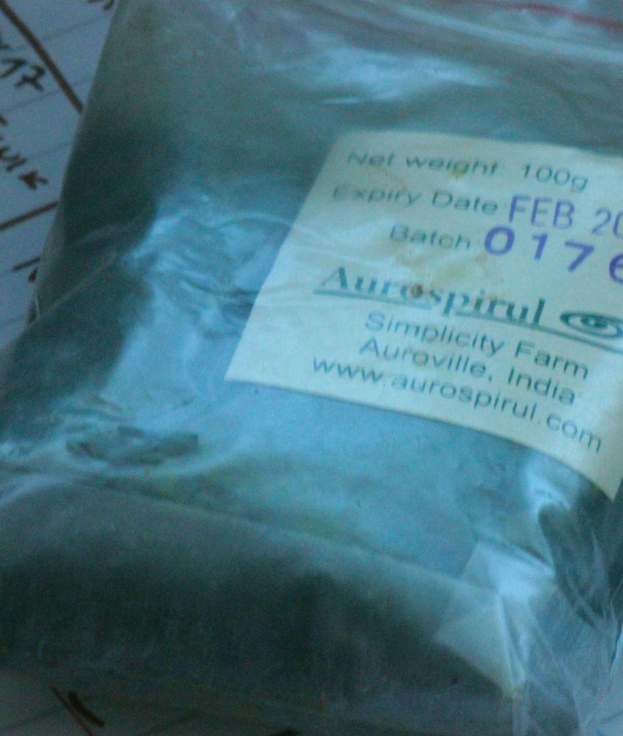 aurospirul auroville spirulina w proszku obrzydliwa zielona