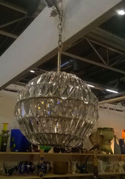 kryształowy okrągły klosz żyrandol skandynawski szwedzki design dizajn