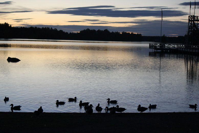 jezioro szwecja zachód słońca