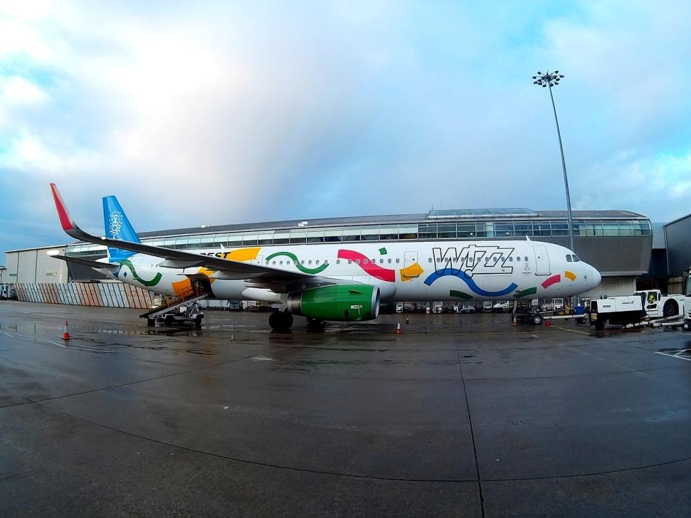 airport-2094122_1280.jpg