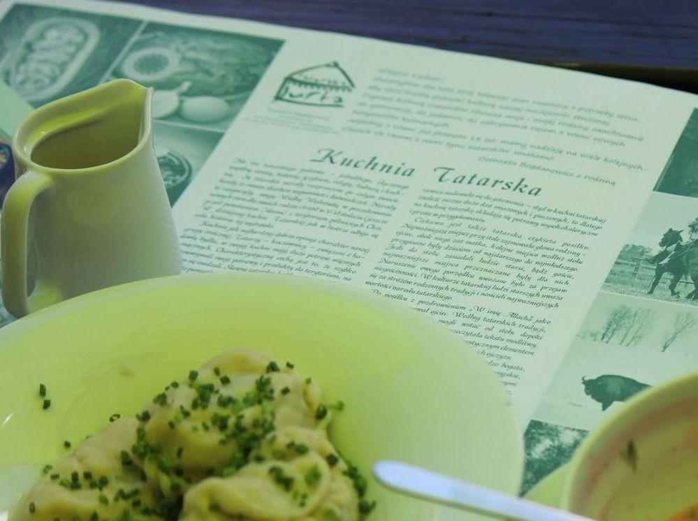 tatarska kuchnia jurta pierogi z masłem pielemieni
