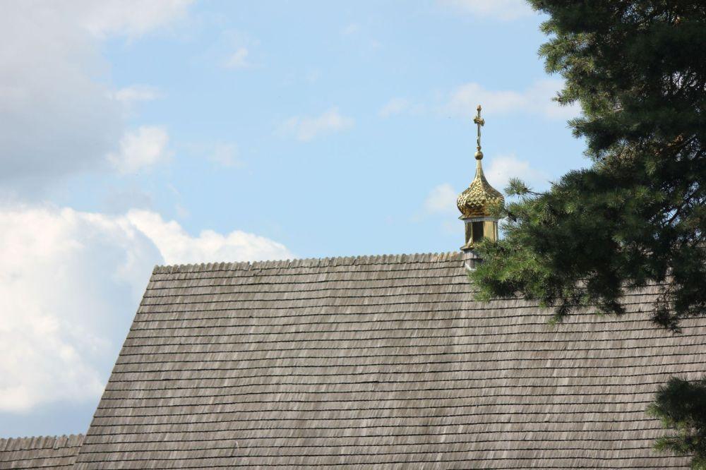 cerkiew kaplica cmentarna gródek podlasie archiktektura złocone kopuły