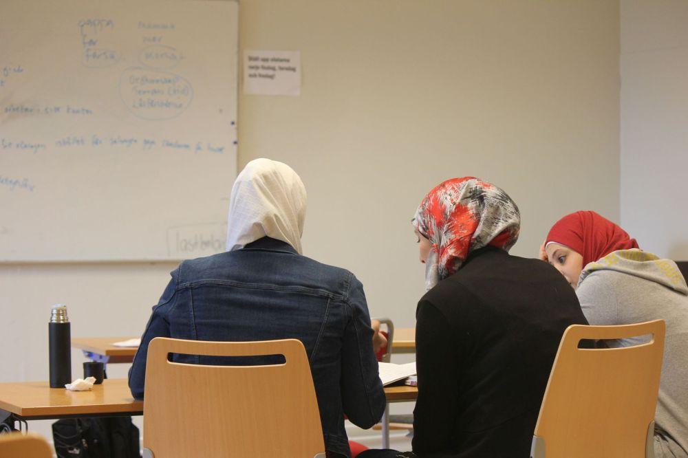 nauka szwedzkiego imigranci w szwecji muzułmanki w szwecji prawo hidżab