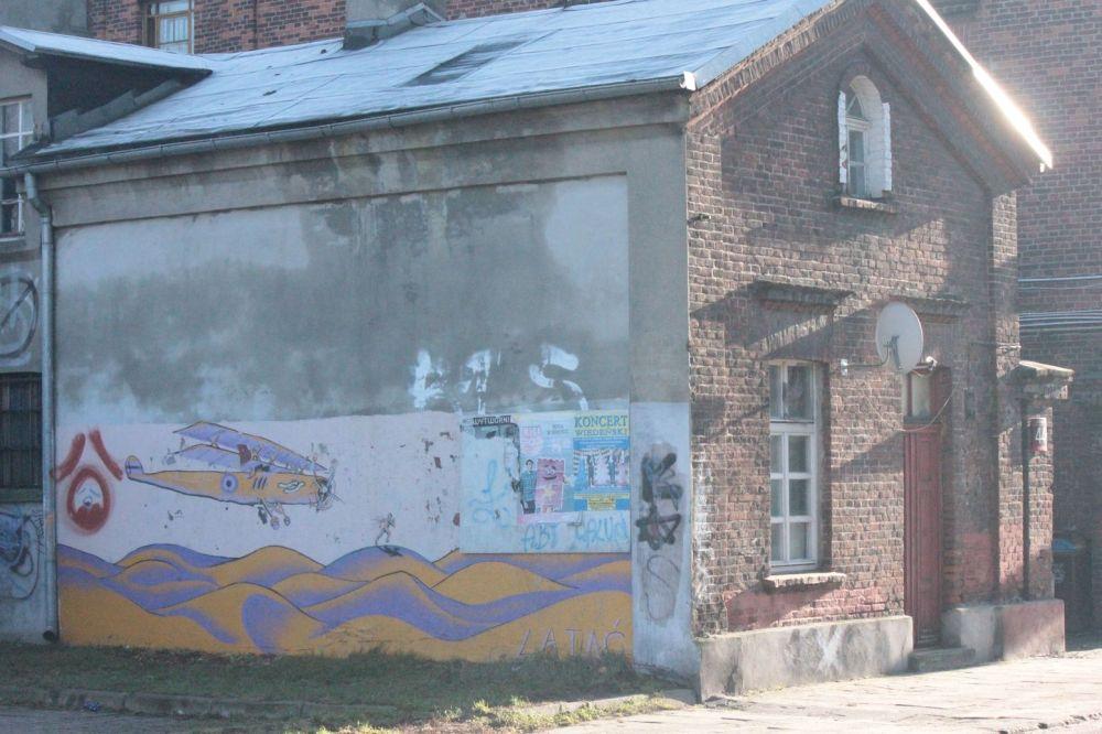 murale łódź budynki stare pofabryczne