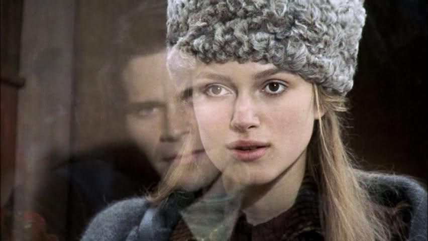 keira_knightley_film_historyczny_kostiumowy_rosyjski_kostium
